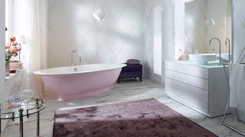 أحواض استحمام عصرية.