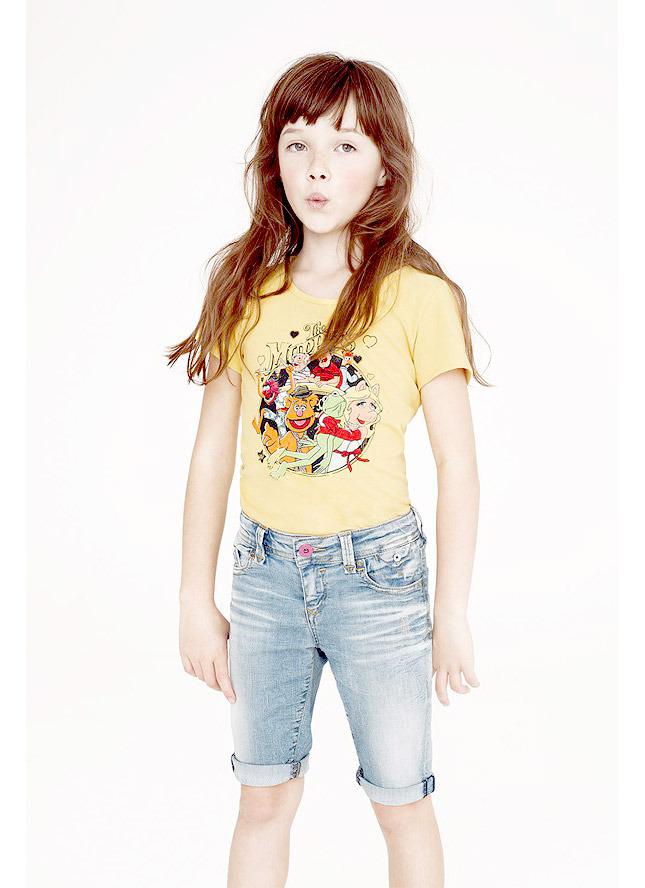 """أزياء""""تومي هيلفيغر كرست """"للأطفال من الدمى المتحركة"""