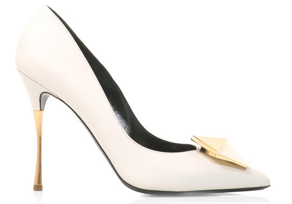 10أزواج من أحذية الزفاف لعروس هذا الموسم.