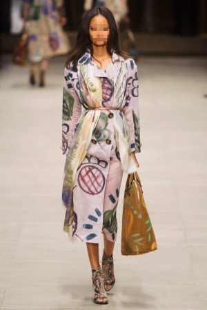 أزياء Burberry Prorsum لخريف وشتاء 2014-2015.